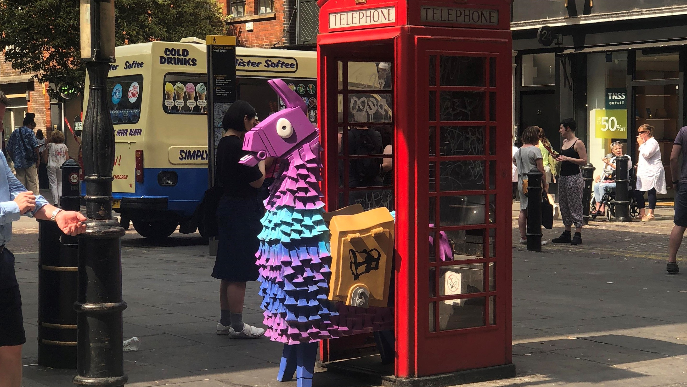 lama fornite londres