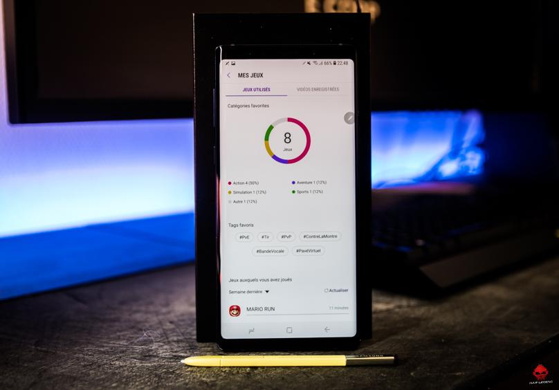 Photo Samsung Galaxy Note 9 Game Launcher allumé et S Pen