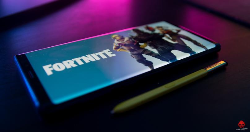 Photo du Samsung Galaxy Note 9 avec fond d'écran Fortnite S Pen