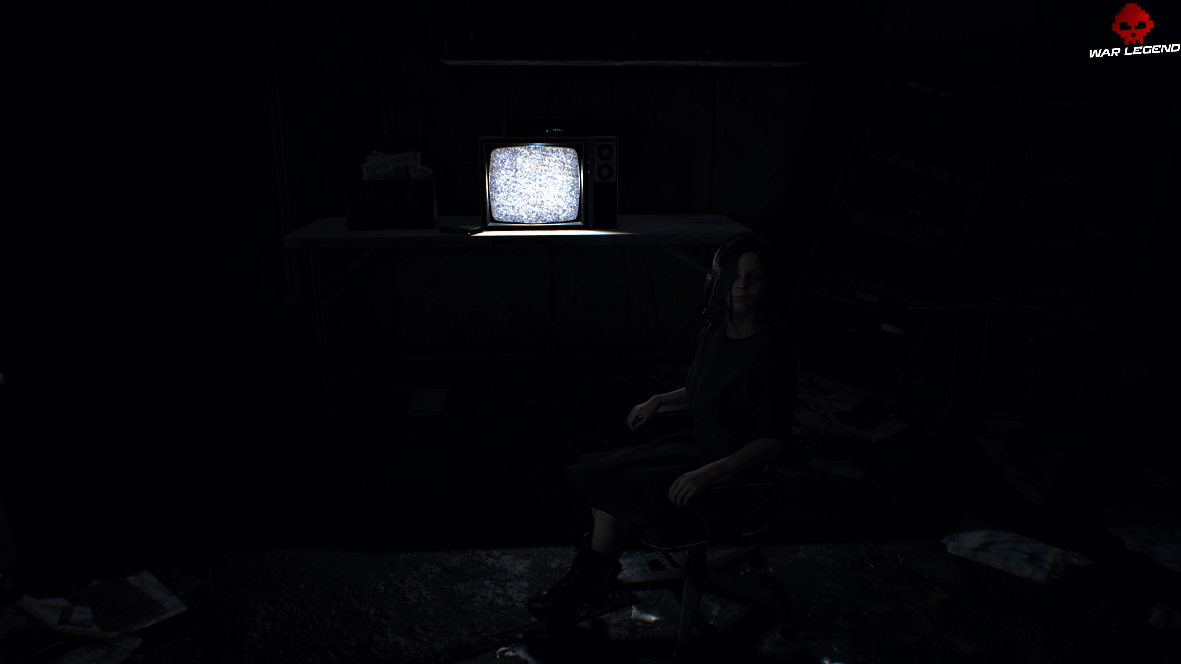 Solution Resident Evil 7 Biohazard - Chapitre 7 Éveline assise devant une TV
