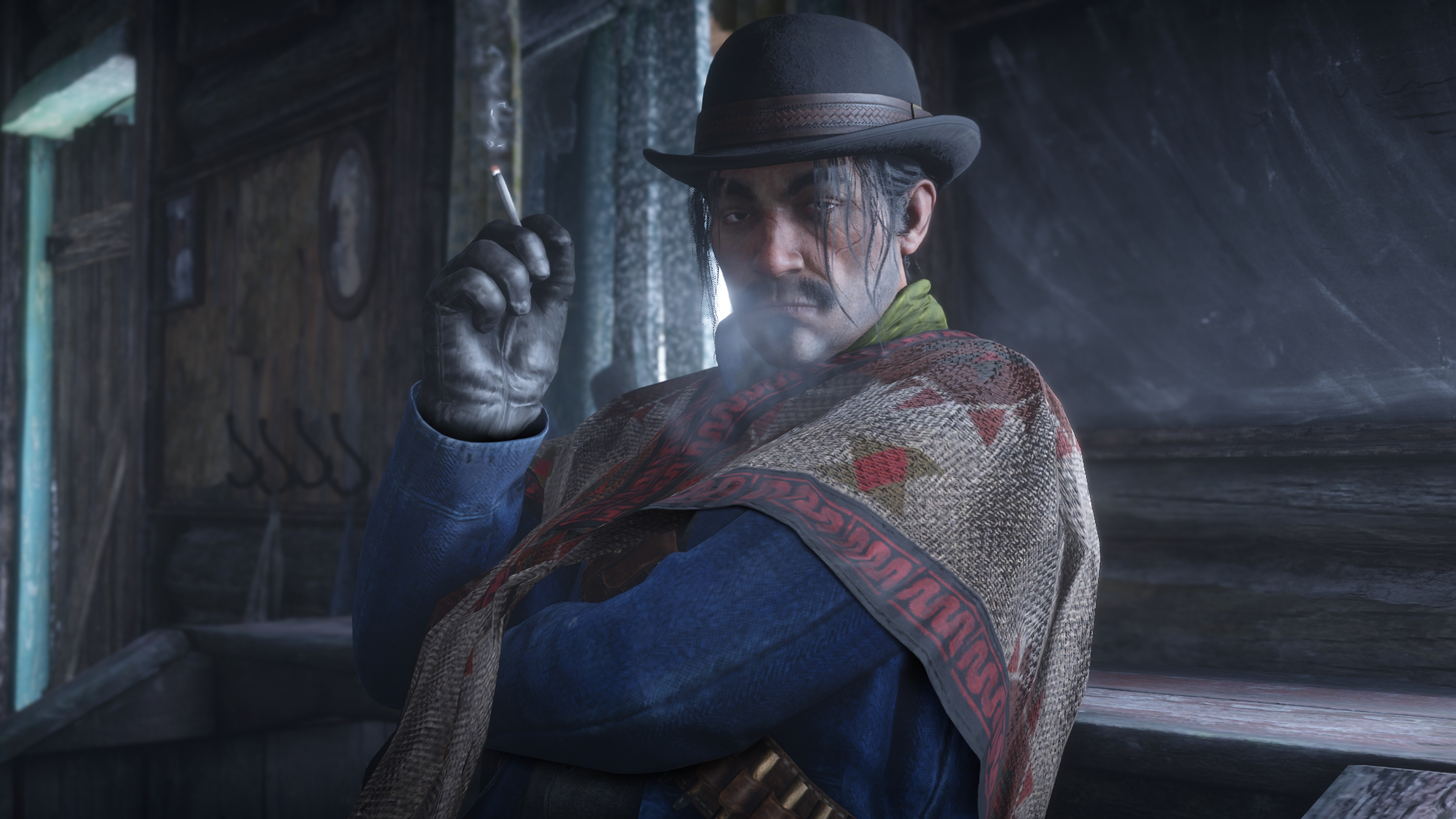 Red Dead Redemption 2 screenshot homme fumant en chapeau melon
