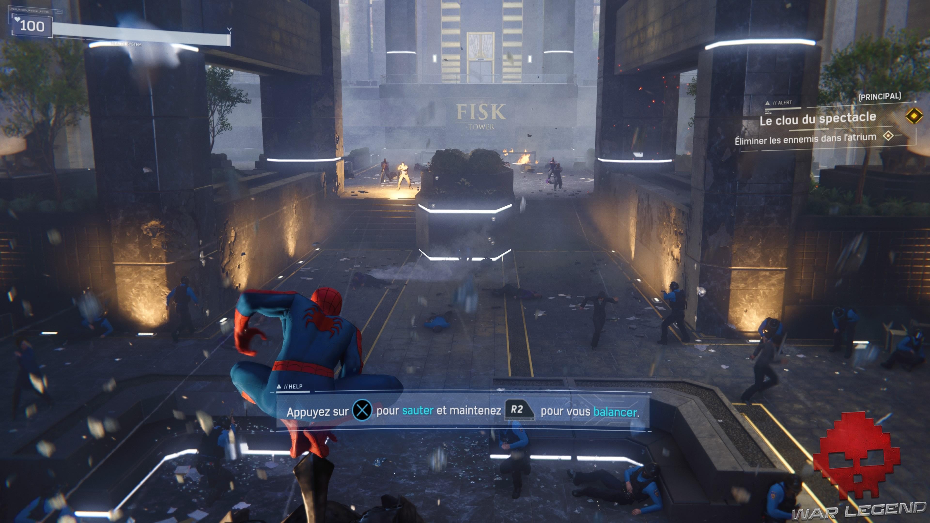 Spider-Man au pied de la Fisk Tower