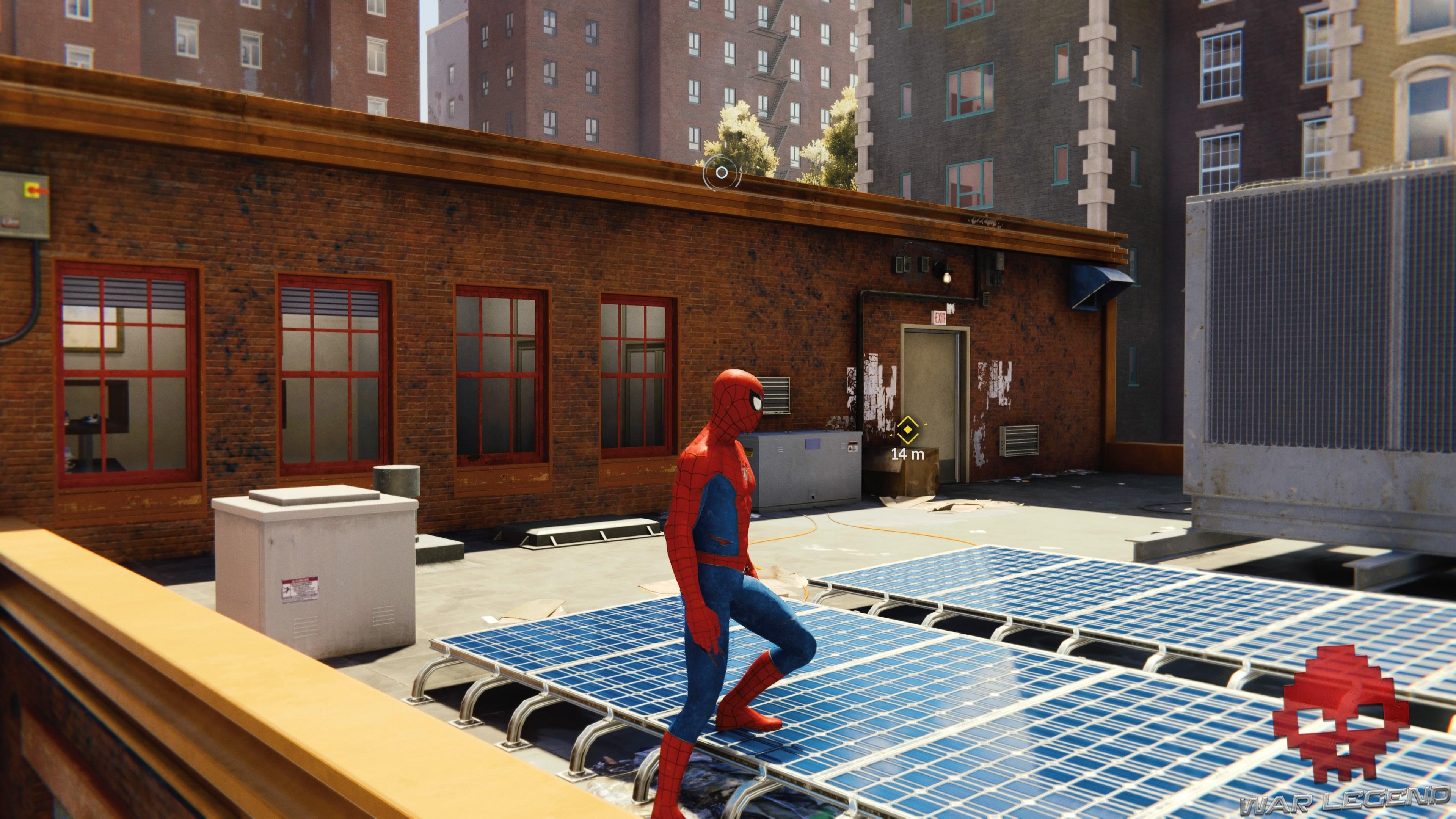 Spiderman est sur un toit