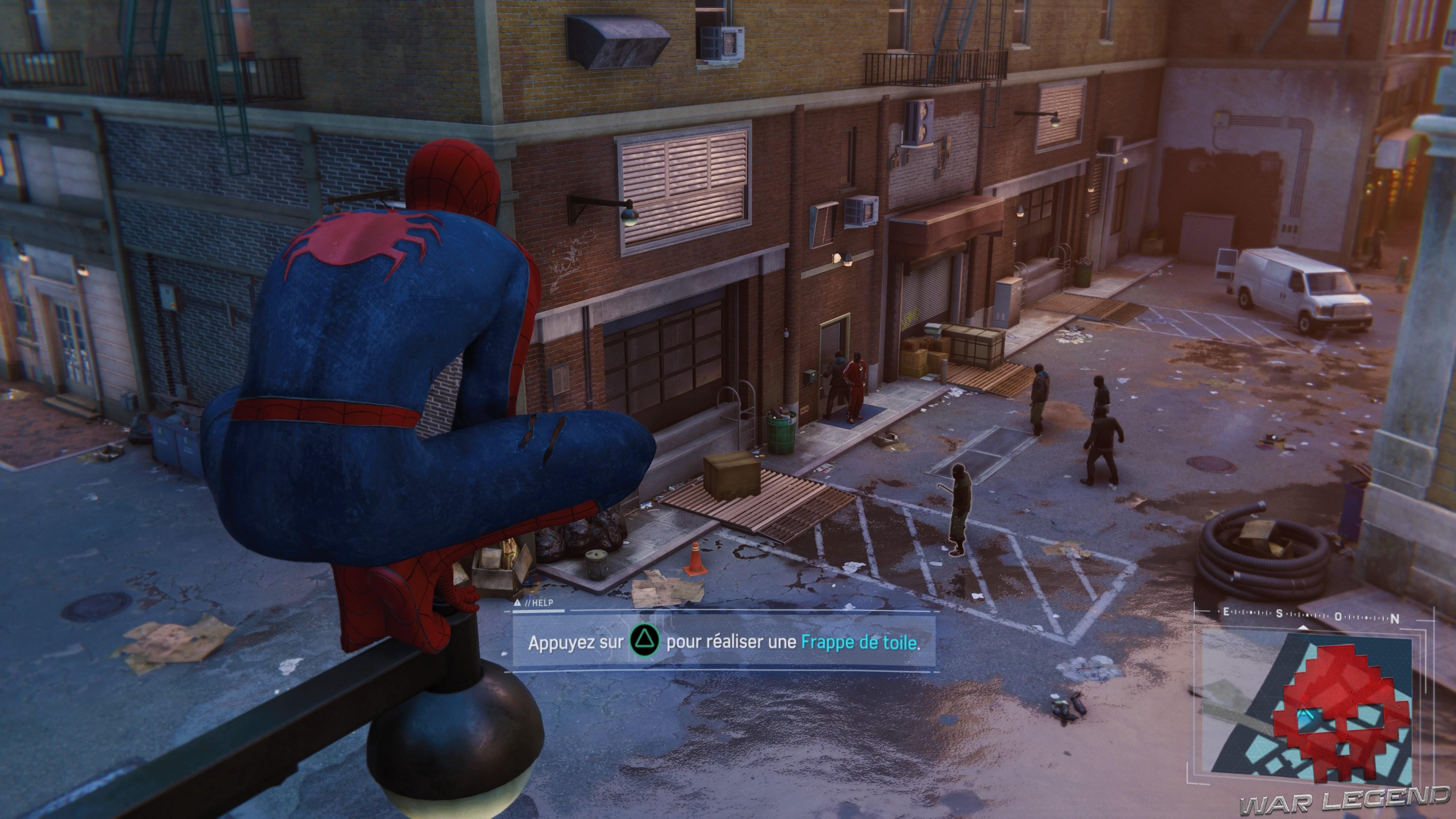 Spider-Man surprend des cambrioleurs
