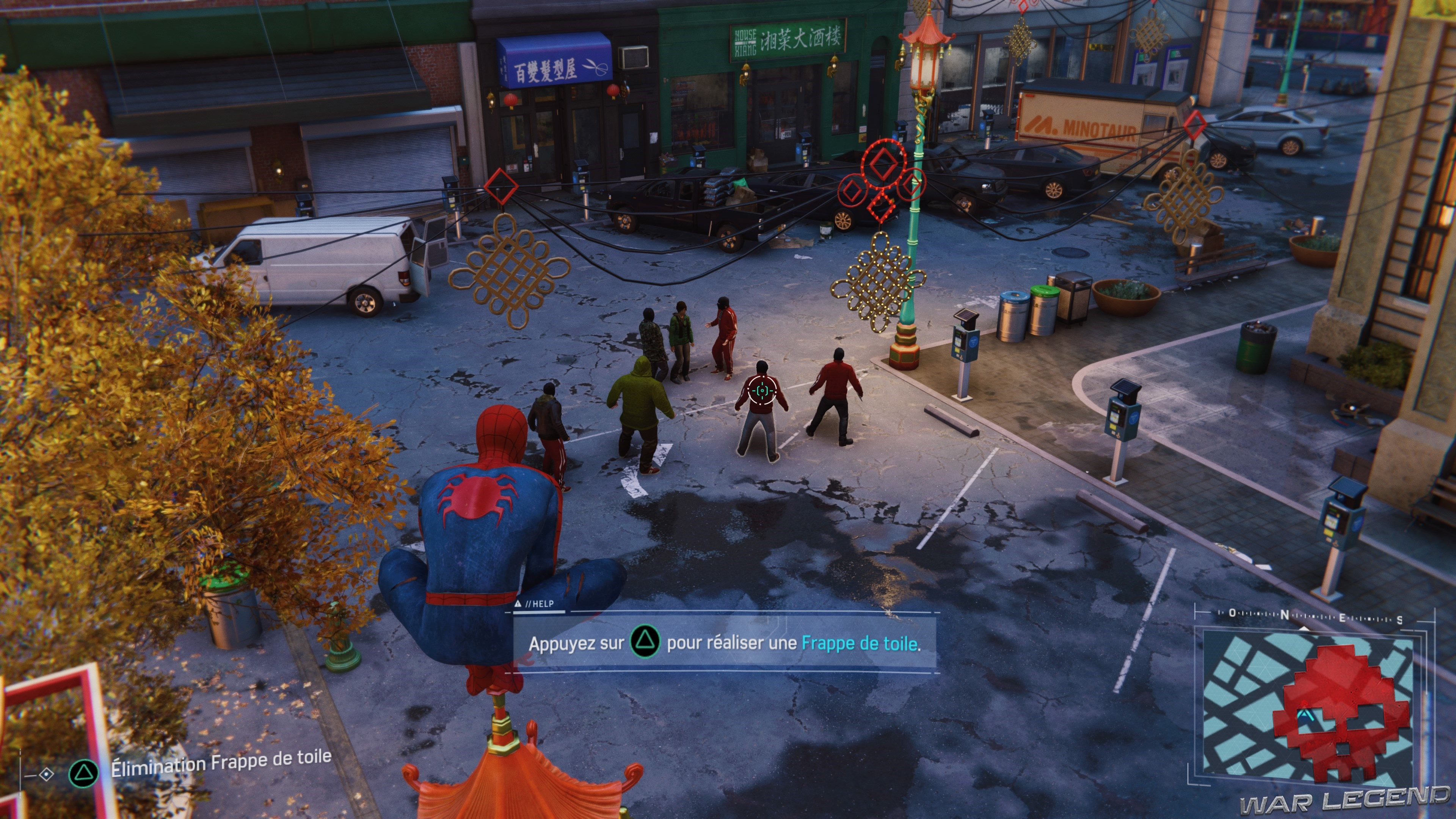 Des criminels sont regroupés au milieu d'une rue