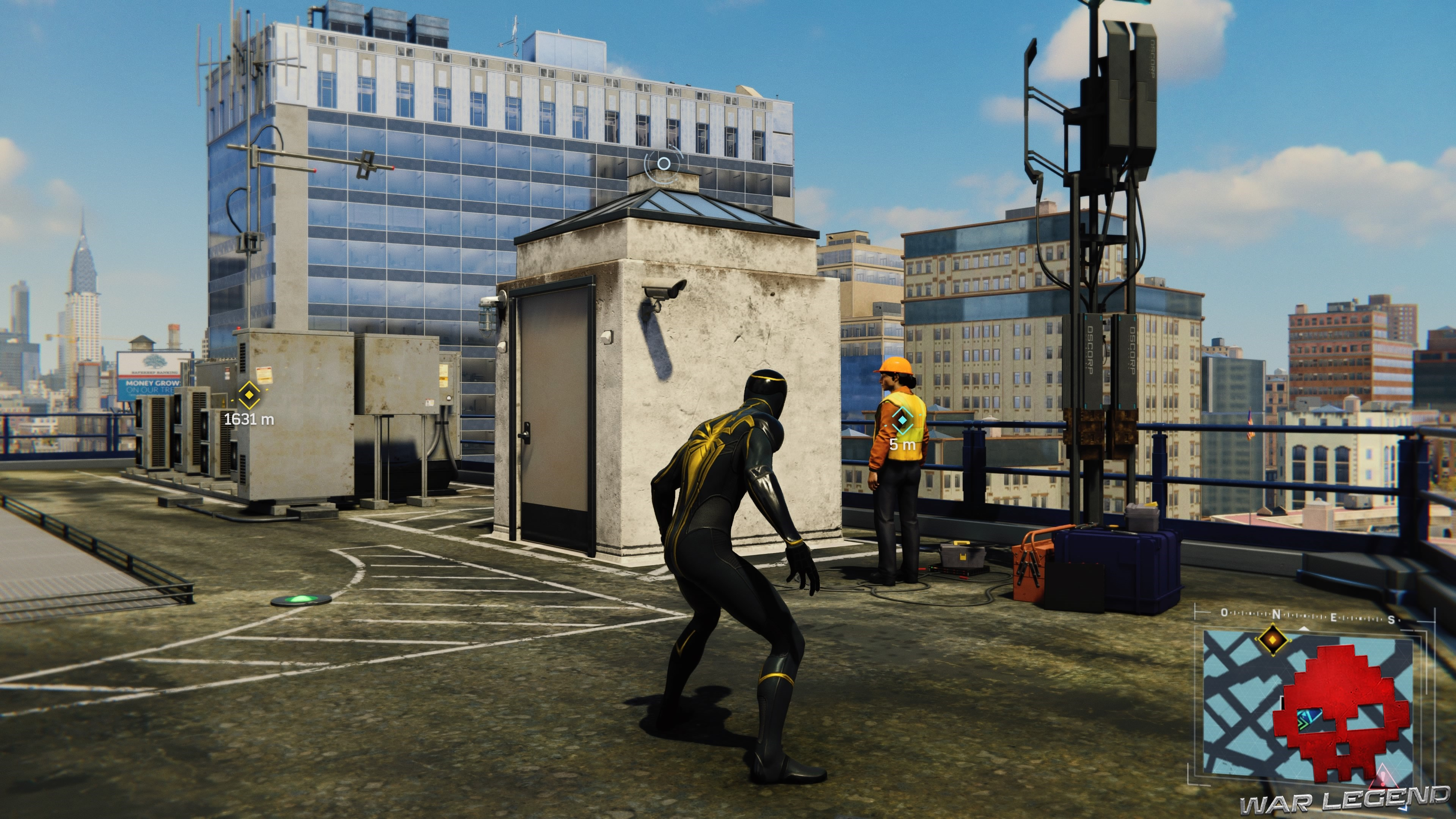 solution spider-man réseau en panne une technicienne est au pied d'une antenne relais