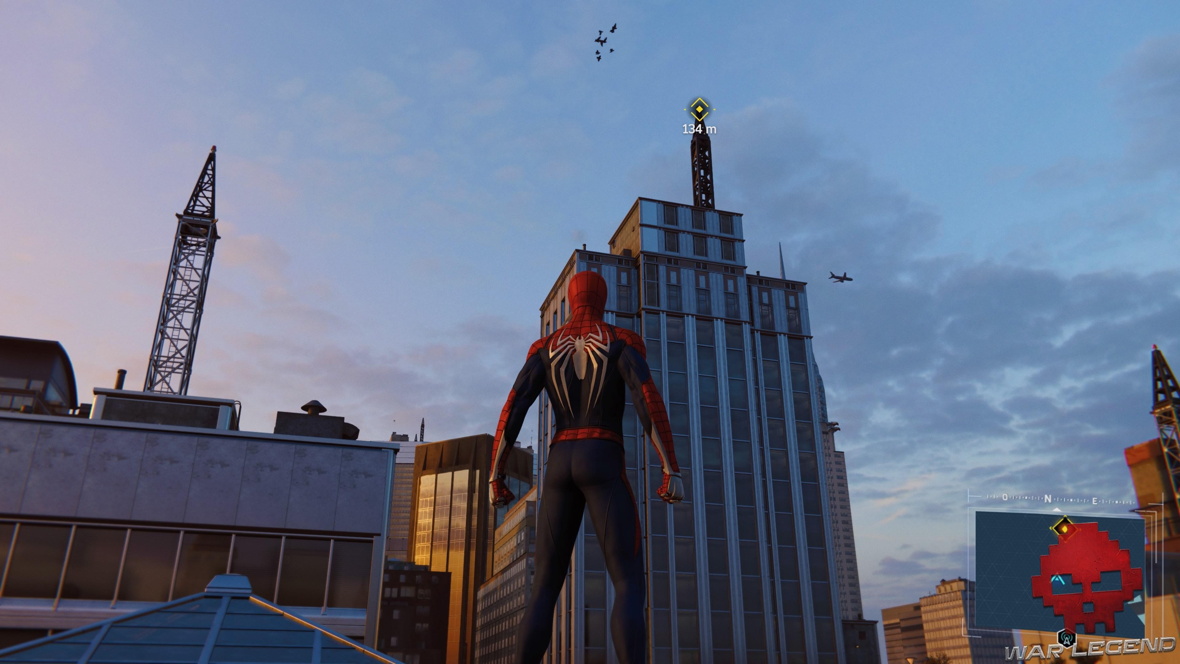 Le perchoir est en vue sur le toit d'un bâtiment
