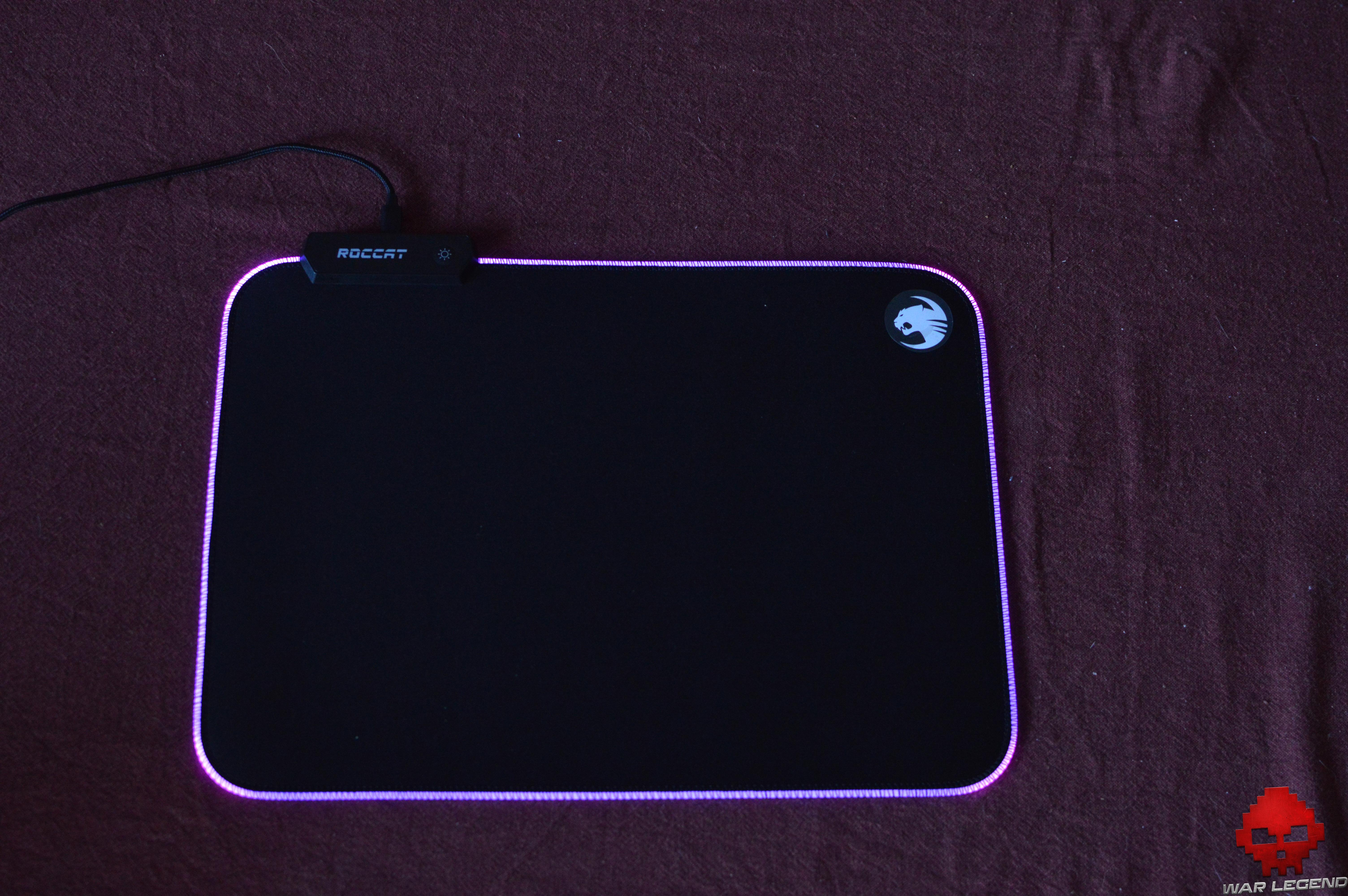 Test Roccat Sense AIMO éclairage violet