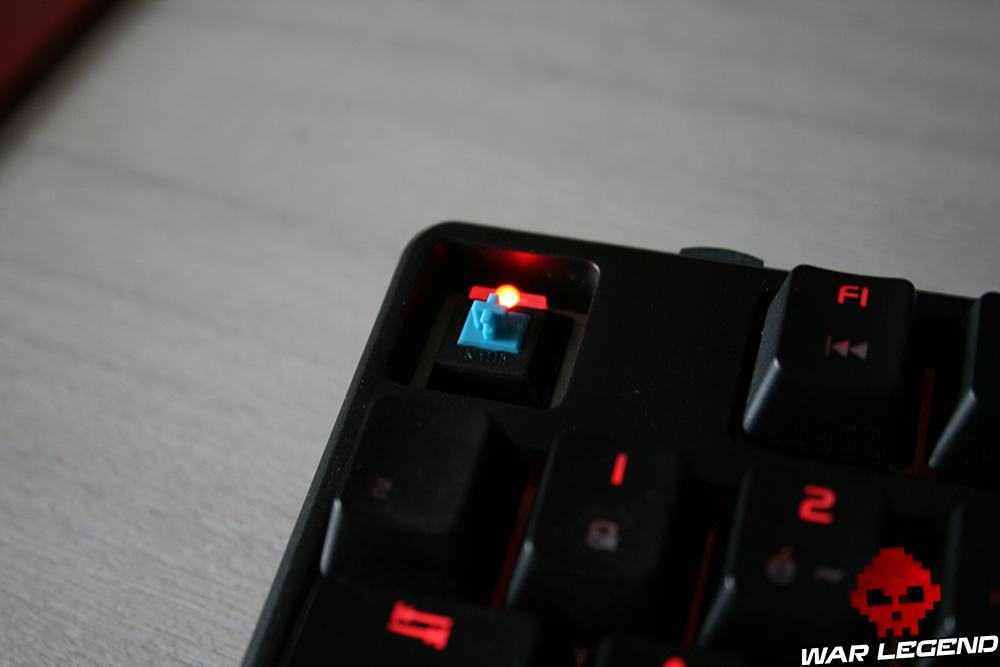Test Tt eSPORTS Poseidon Z RVB (Blue Switch Edition)