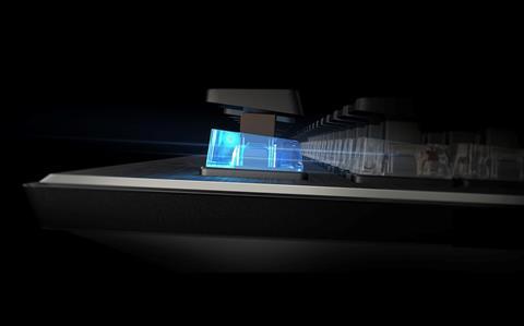 L'interrupteur ROCCAT Titan implanté dans un clavier
