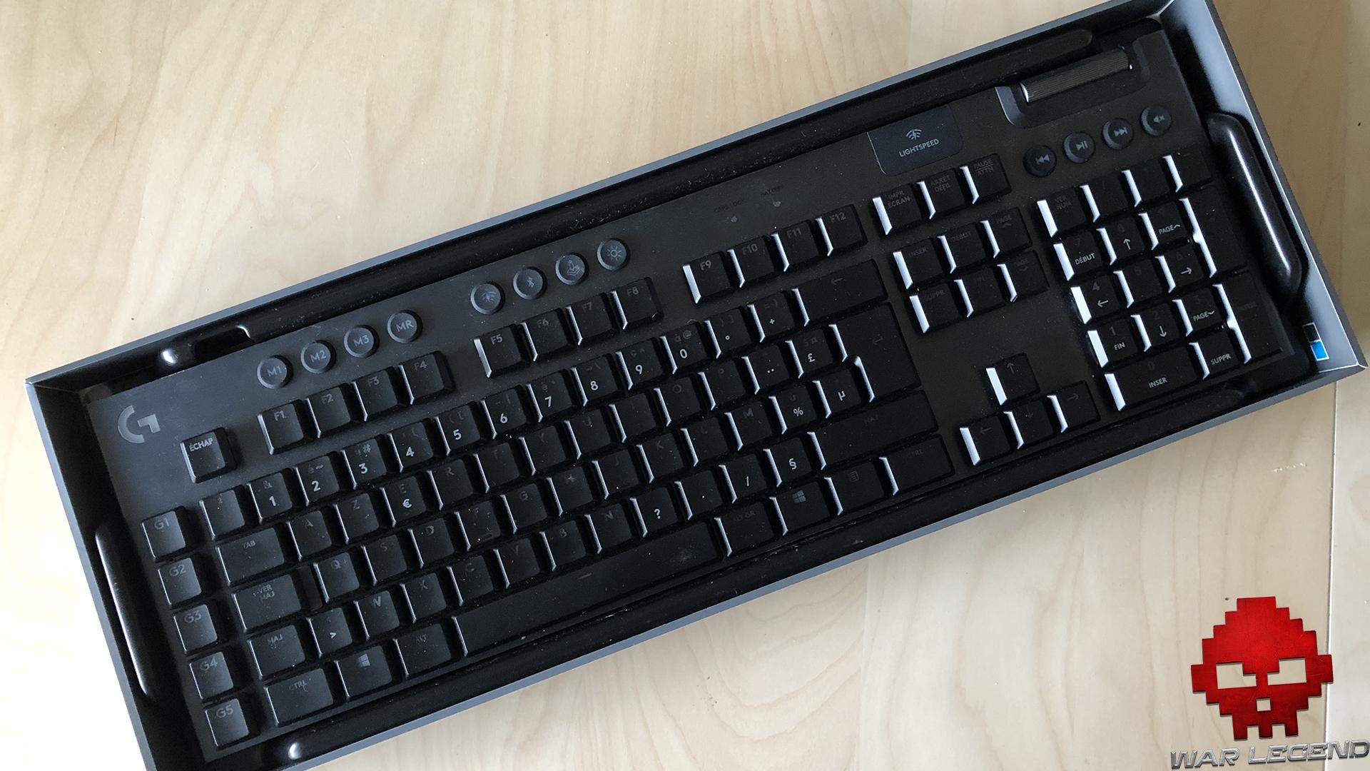 test logitech g915 - boîte avec clavier dedans