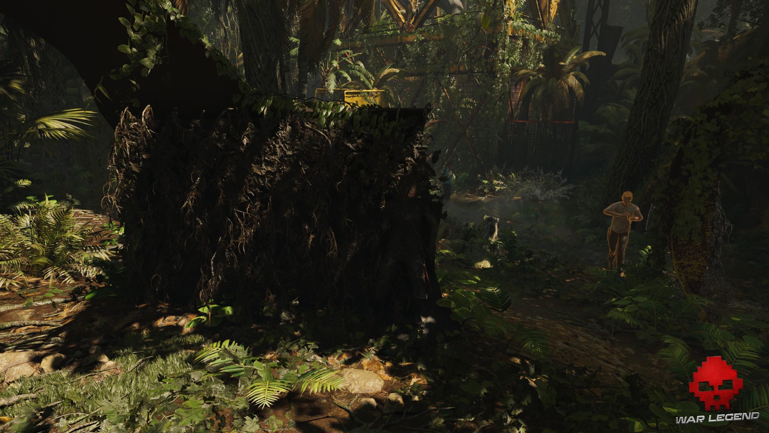 Lara utilise la boue pour se cacher dans l'environnement